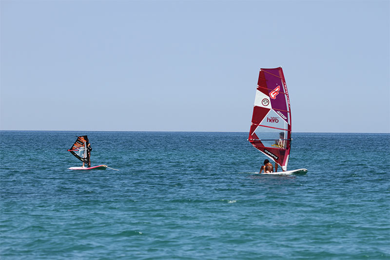 Windsurfing courses, storage, rental Portonovo Marcelli